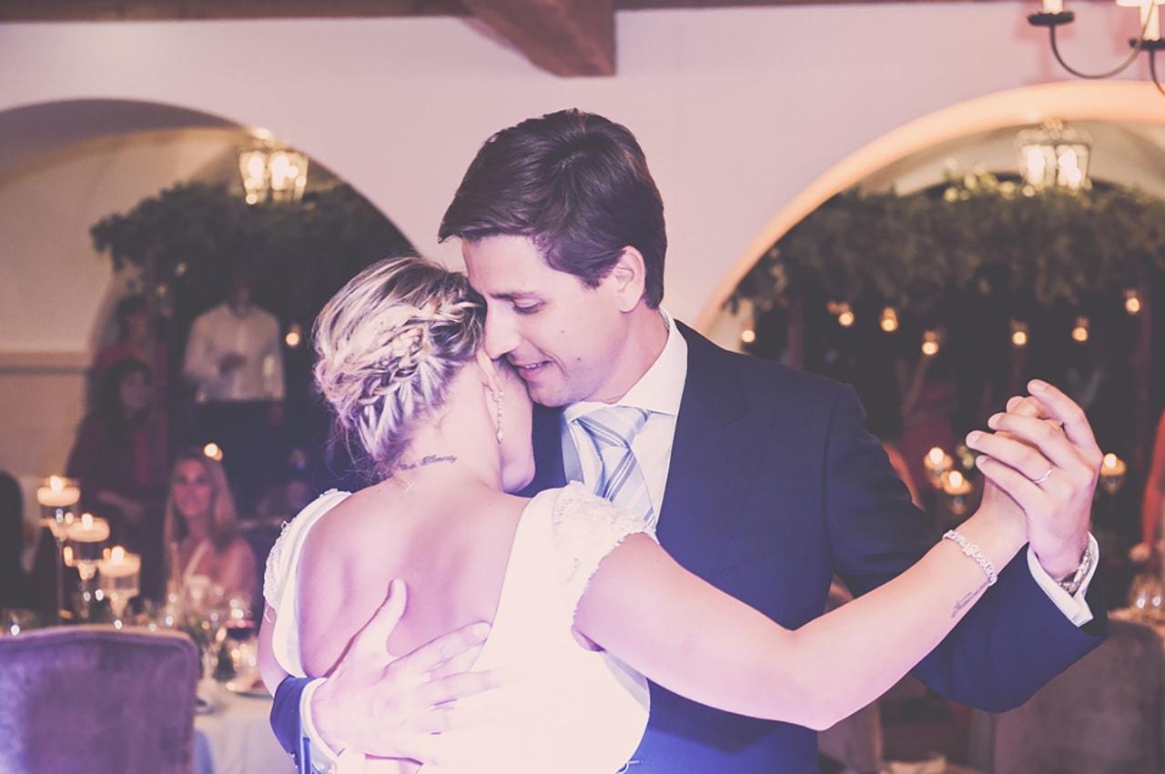 premiere danse- mariés - mariage chic en provence
